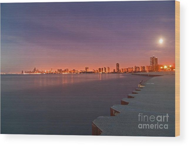 Moon Wood Print featuring the photograph Full Moon Setting And Chicago Skyline by Sven Brogren