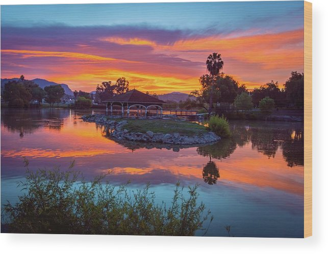 Lindo Wood Print featuring the photograph Good Morning by Christopher Payne