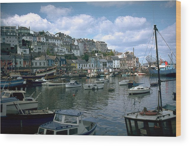 Great Britain Wood Print featuring the photograph Harbor by Flavia Westerwelle