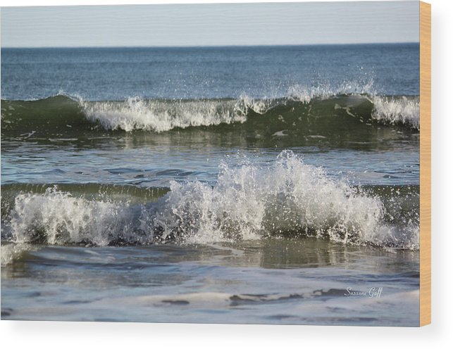 Ocean Wood Print featuring the photograph High Tide Coming by Suzanne Gaff