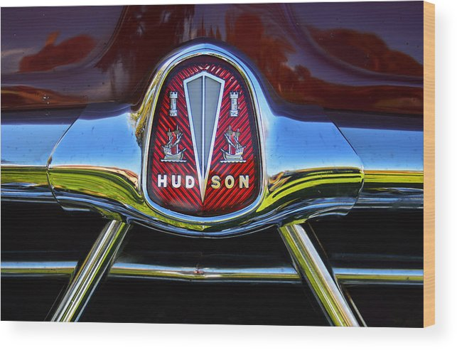 Vintage Hudson Wood Print featuring the photograph Hudson Grill by Kevin Myron