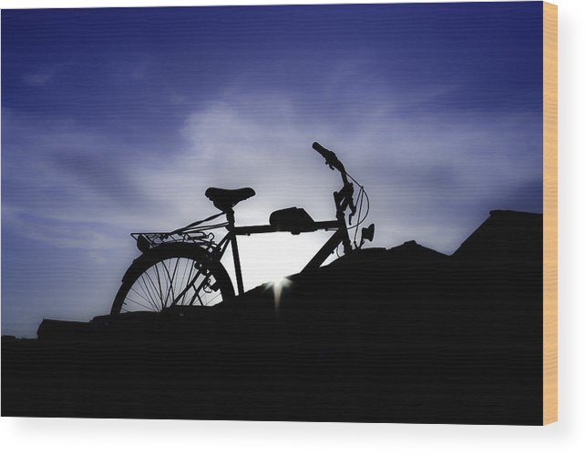 Artistic Wood Print featuring the photograph Independence by Vlad Gayraud