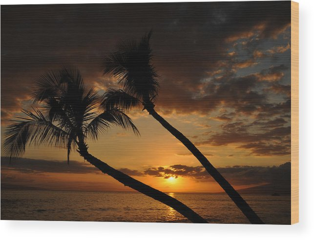 Photograph Wood Print featuring the photograph Ka'anapali Beach Sunset by Kelly Wade