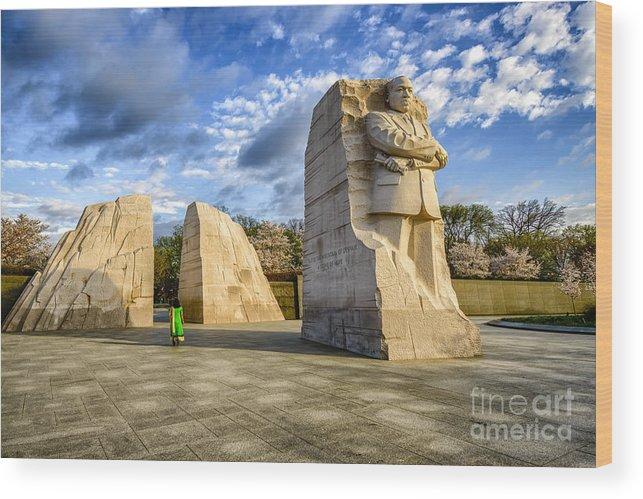 Martin Luther King Jr Memorial Wood Print featuring the photograph Martin Luther King Jr Memorial by Thomas R Fletcher