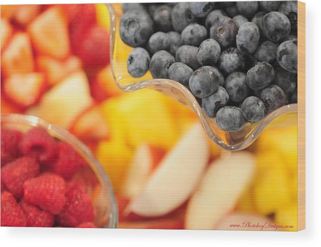 Fruit Wood Print featuring the photograph Mixed Fruit 6904 by PhotohogDesigns