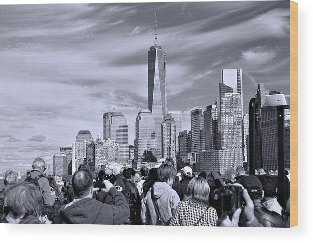 New York City Tourists Wood Print featuring the photograph New York City Tourists by Dan Sproul