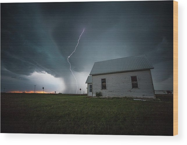 Sky Wood Print featuring the photograph Nowhere To Run by Aaron J Groen