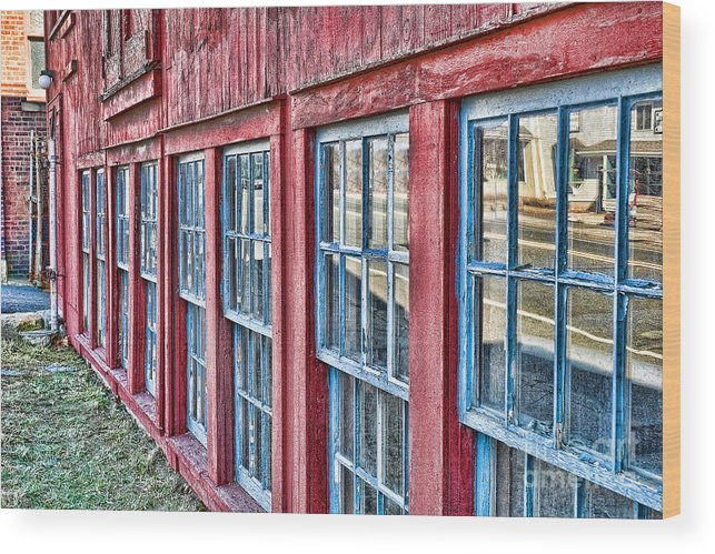 Collinsville Ct Wood Print featuring the photograph Old Windows by Edward Sobuta