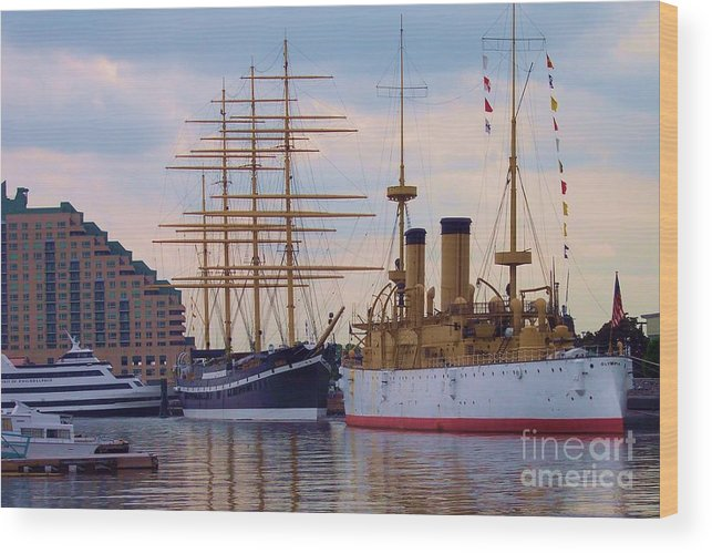 Philadelphia Wood Print featuring the photograph Philadelphia Waterfront Olympia by Debbi Granruth