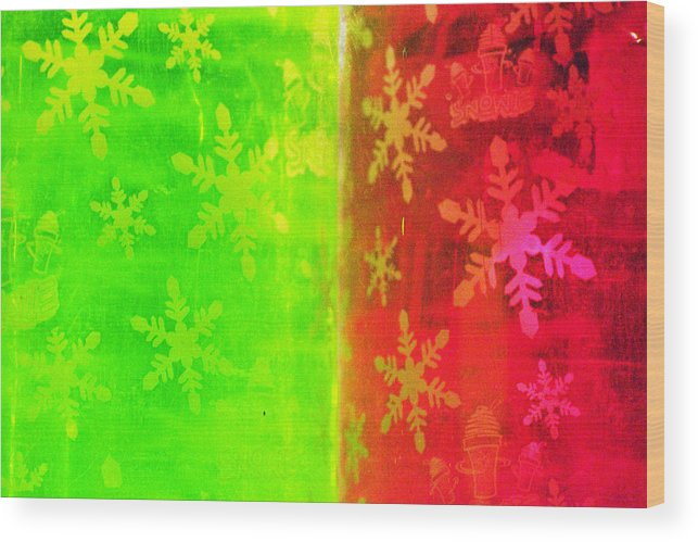 Red Wood Print featuring the photograph Red And Green With A Snowflake Pattern by Richard Henne
