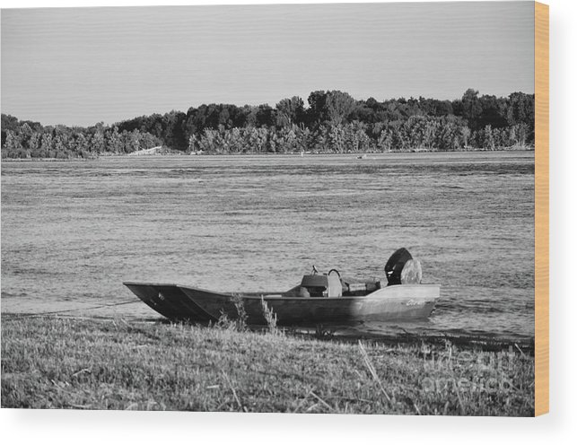Mississippi Wood Print featuring the photograph River Canoe by Elizabeth Donald