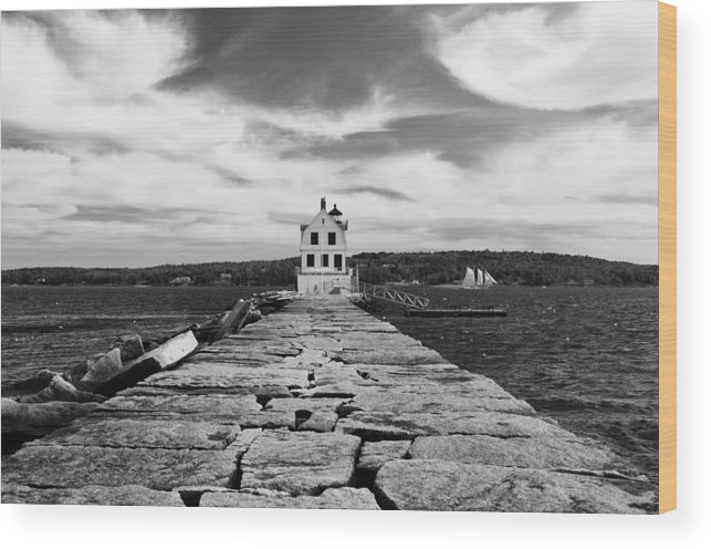 Rockland Wood Print featuring the photograph Rockland Breakwater Lighthouse by Derek Burke