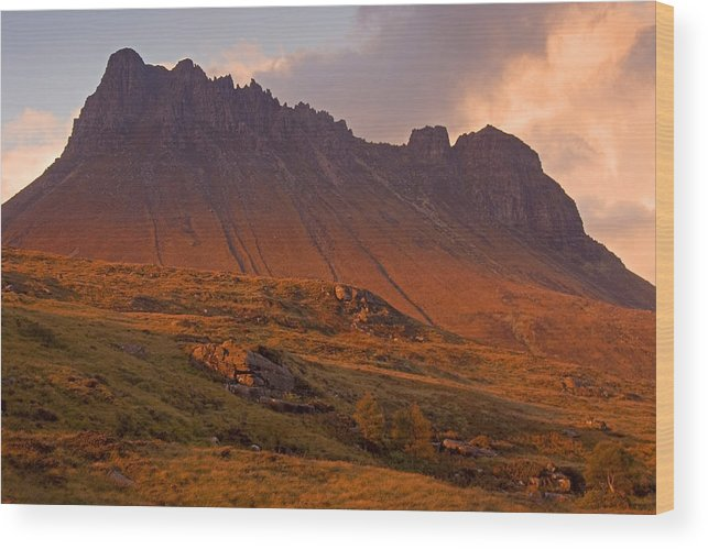 Scotland Wood Print featuring the photograph Stac Pollaidh At Sunset by John McKinlay