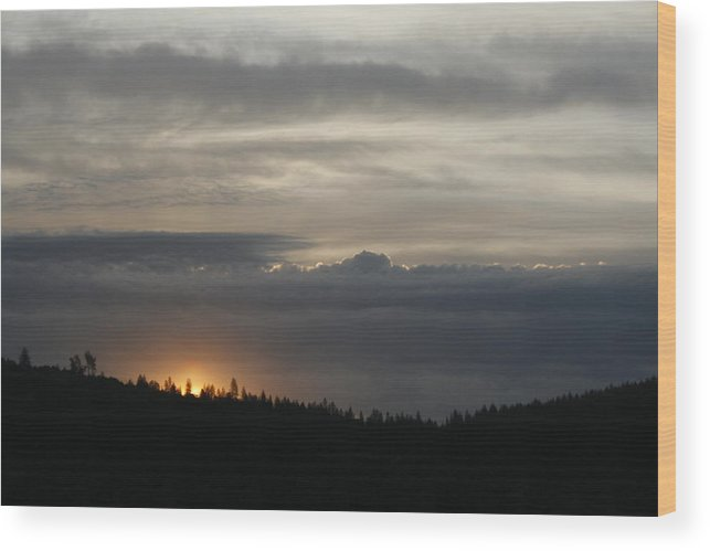 Sunrise Wood Print featuring the photograph Sun Rises On Ridge by Suzanne Lorenz