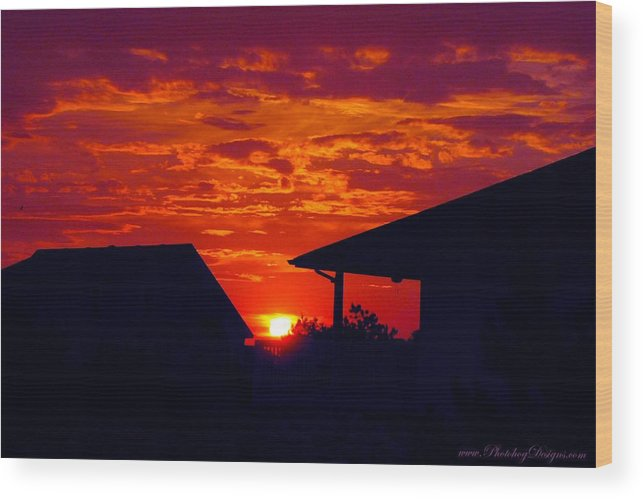 Sunset Wood Print featuring the photograph Sunset Va 4717 by Photohog Designs