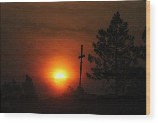 Sun Wood Print featuring the photograph The Light In The Dark by Roxanne Basford