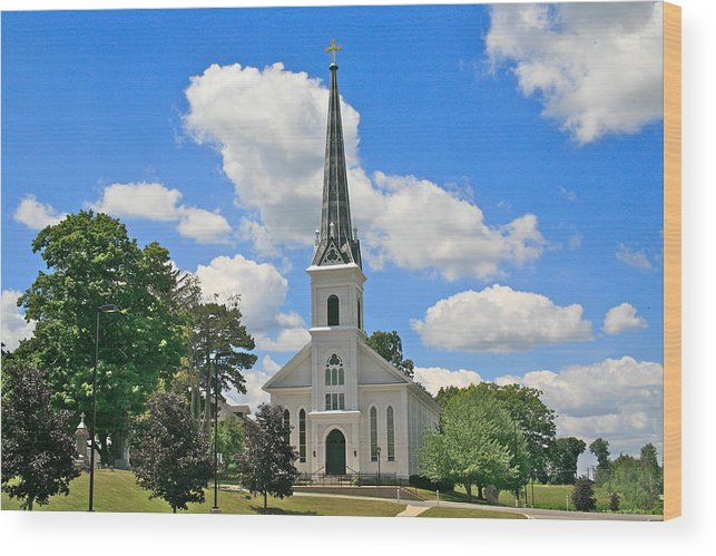 Usa Wood Print featuring the photograph The Little Country Church by Robert Pearson