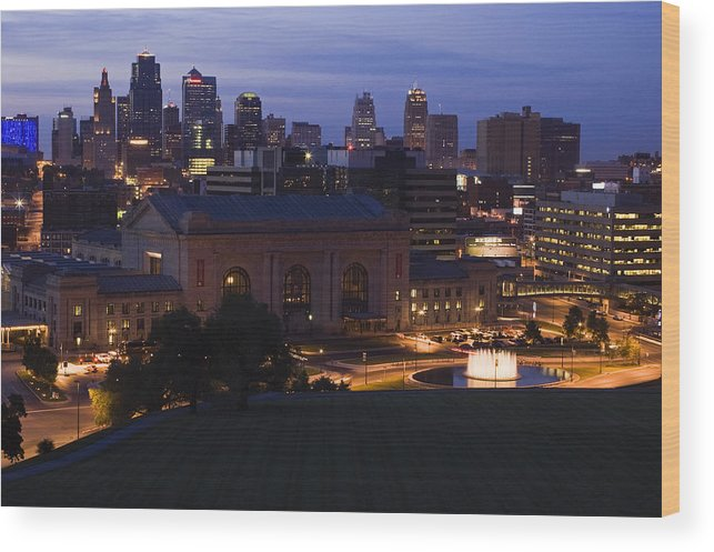 Union Station Wood Print featuring the photograph Union Station Kansas City by Chad Davis