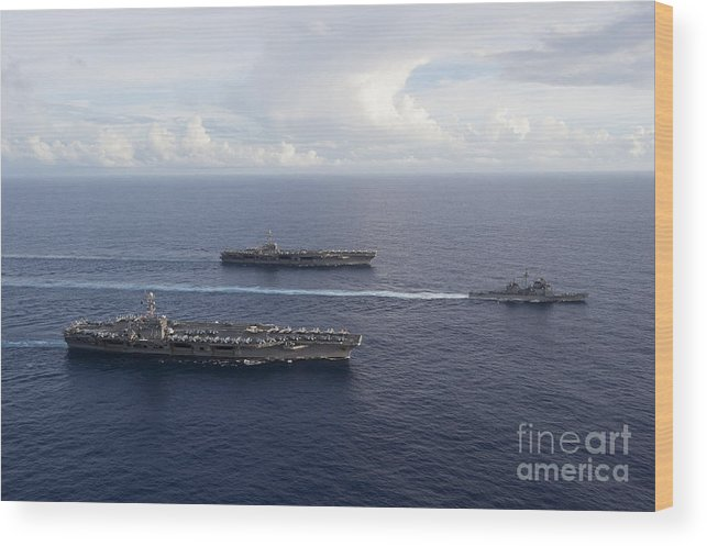 Uss George Washington Wood Print featuring the photograph Uss George Washington, Uss John C by Stocktrek Images
