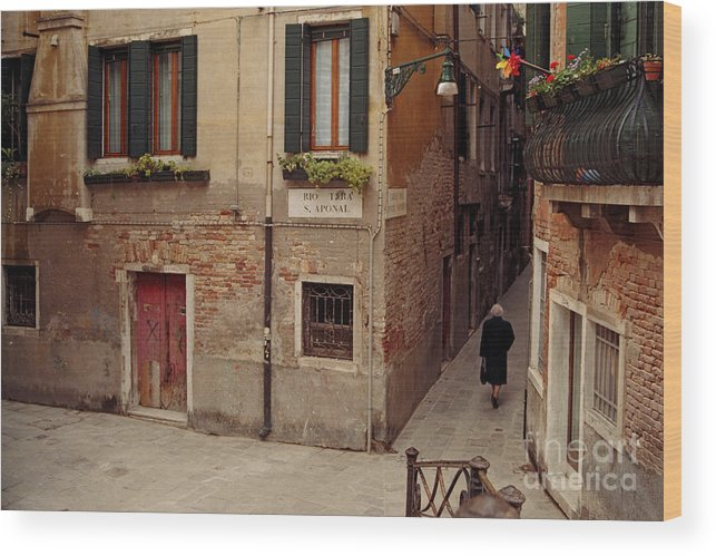 Travel Wood Print featuring the photograph Venice Lady In Black by Lawrence Costales