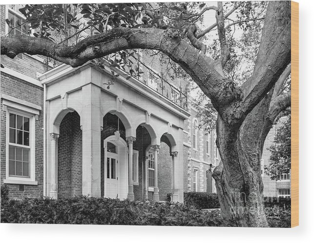 Crawfordsville Wood Print featuring the photograph Wabash College Center Hall by University Icons