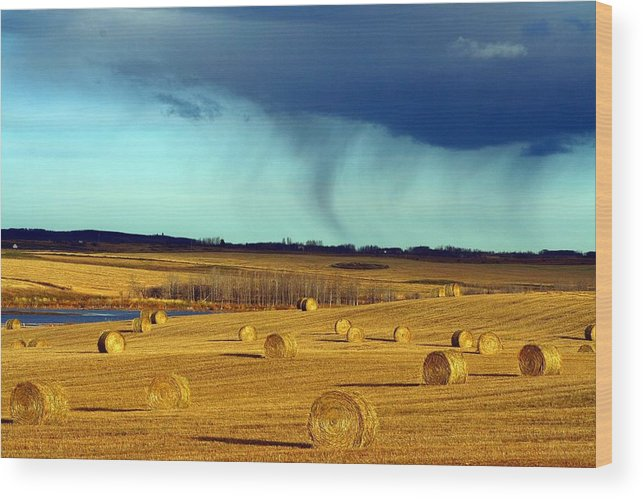 Storm Wood Print featuring the photograph Water Shapes by Mario Brenes Simon