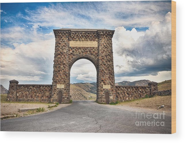 Roosevelt Arch Wood Print featuring the photograph Welcome To Yellowstone by Rachel Barrett