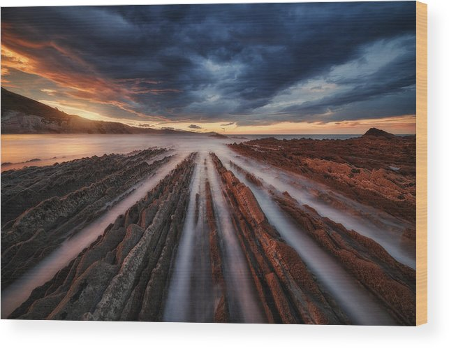 Landscape Wood Print featuring the photograph Zumaia Flysch 6 by Juan Pablo De