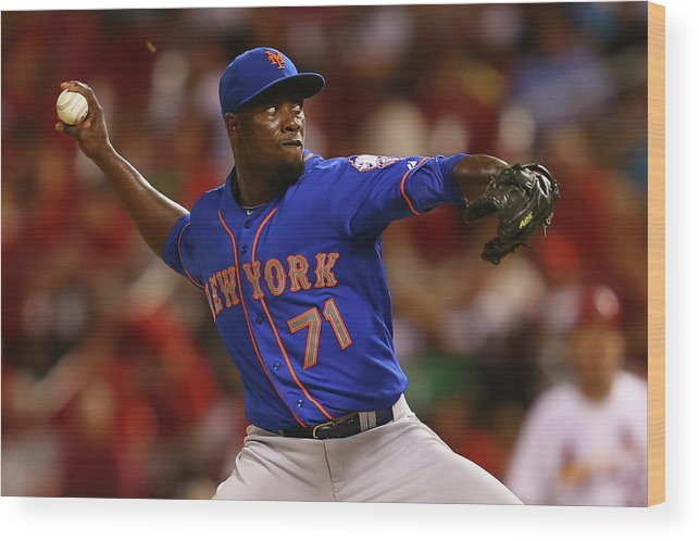 Relief Pitcher Wood Print featuring the photograph New York Mets V St. Louis Cardinals 2 by Dilip Vishwanat