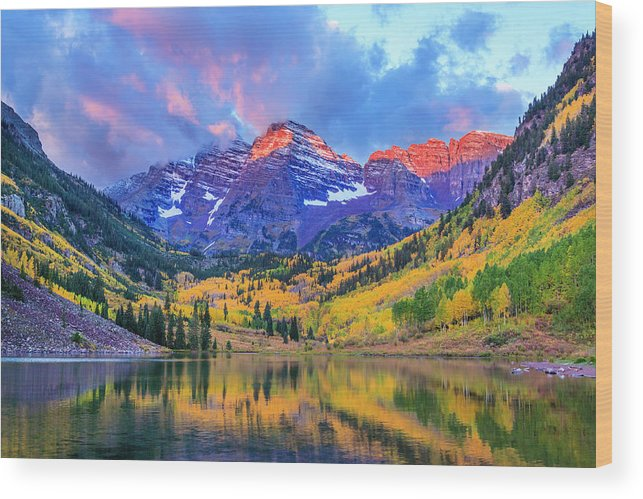 Scenics Wood Print featuring the photograph Autumn Colors At Maroon Bells And Lake by Dszc