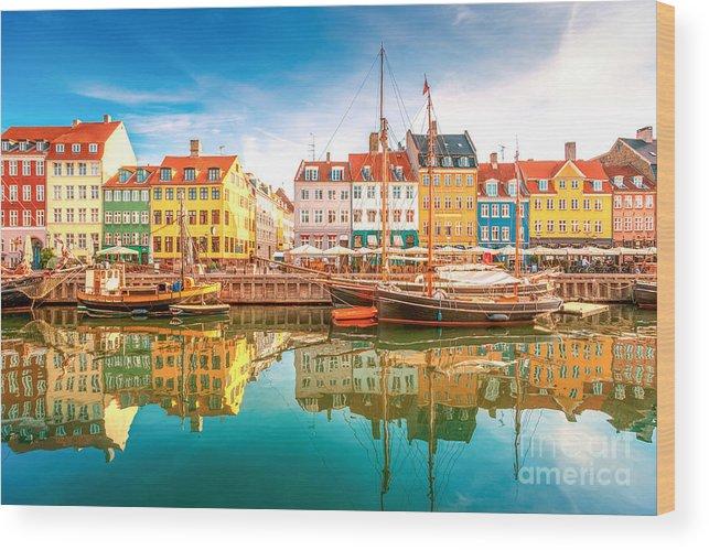 Capital Wood Print featuring the photograph Nyhavn, Kopenhagen by Lamiafotografia