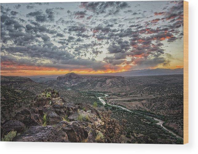 Rio Grande Wood Print featuring the photograph Rio Grande River Sunrise 2 - White Rock New Mexico by Brian Harig