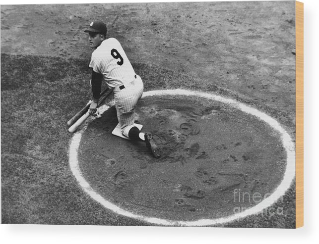 On-deck Circle Wood Print featuring the photograph Roger Maris On Deck by Robert Riger