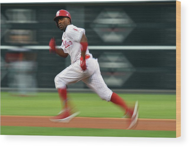 2nd Base Wood Print featuring the photograph Jimmy Rollins by Drew Hallowell