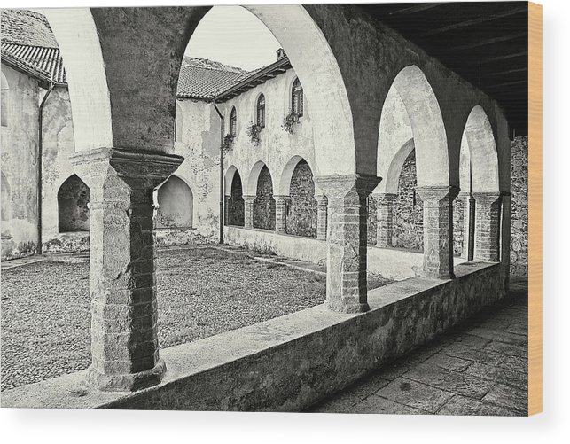 Architecture Wood Print featuring the photograph Cloister by Roberto Pagani