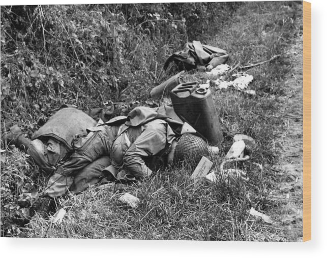 History Wood Print featuring the photograph Three Dead U.s. Airborne Troops by Everett