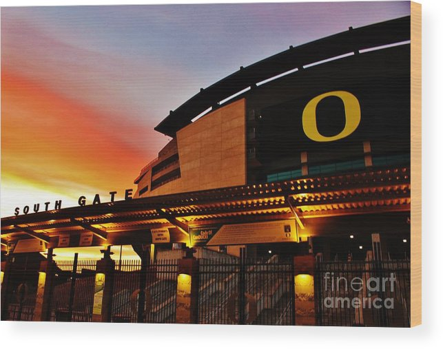 University Of Oregon Wood Print featuring the photograph Uo 1 by Michael Cross