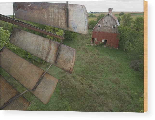 Nobody Wood Print featuring the photograph A Turn-of-the-century Peg Barn As Seen by Joel Sartore
