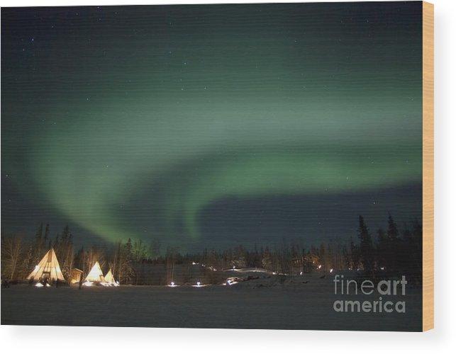 Aurora Lake Wood Print featuring the photograph Aurora Above Aurora Village, Aurora by Yuichi Takasaka