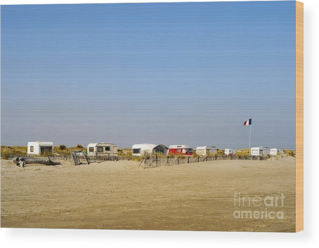 Tranquil Scene Wood Print featuring the photograph Caravans Parked On Beach by Sami Sarkis