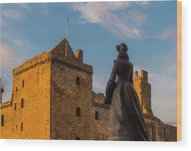 Linlithgow Palace Wood Print featuring the photograph Linlithgow Palace by Douglas Milne