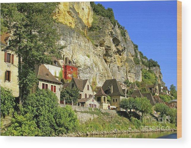 Château La Malartrie; Cliffs; Limestone; Yellow; Beach; Promenade; Mediaeval; Medaeval; Perigord Noir; Pendoïlles; Cingle; Wood Print featuring the photograph La Roque-gageac by Rod Jones