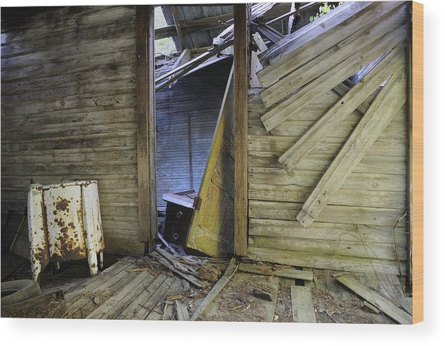 Old Wood Print featuring the photograph Faded Light by Ed Zirkle