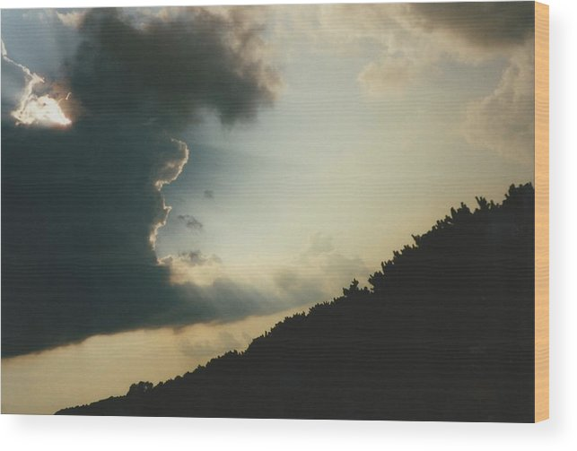 Sky Wood Print featuring the photograph Hudson Wisconsin Evening by Gene Linder