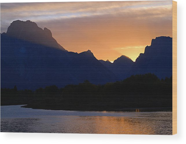 Oxbow Bend Wood Print featuring the photograph Last Light Of Day by Larry Ricker