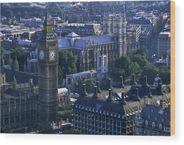 London Wood Print featuring the photograph London by Wes Shinn
