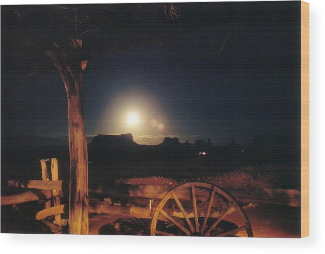 Landscape Wood Print featuring the photograph Monument Moonrise by Cathy Franklin