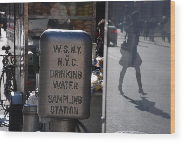 Street Scene Wood Print featuring the photograph Nyc Drinking Water by Rob Hans