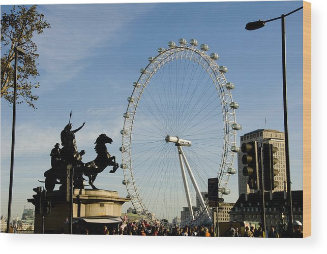 London Eye Wood Print featuring the photograph Ready To Ride by Charles Ridgway