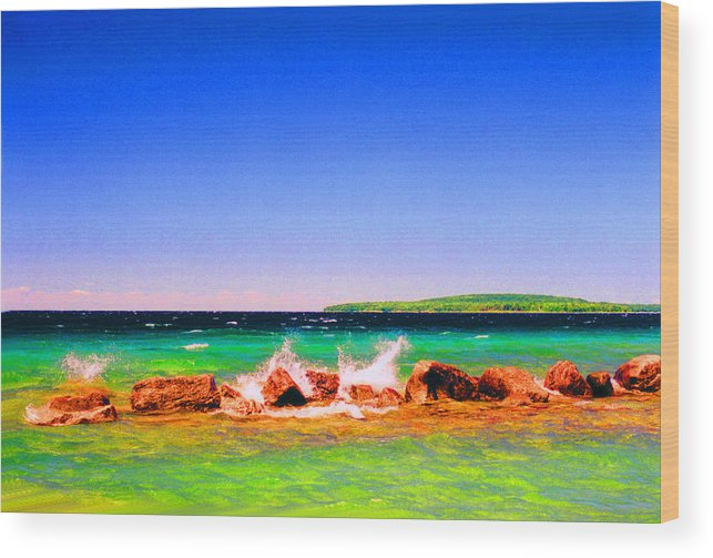 Landscape Wood Print featuring the photograph Sat Splash by Lyle Crump